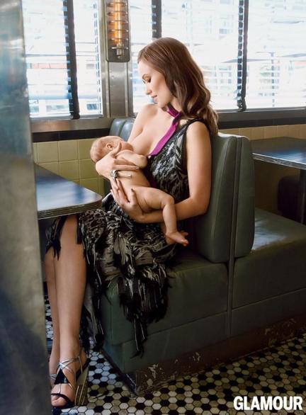 Olivia Wilde amerikai színésznő fiával a Glamour magazin 2014. szeptemberi számában