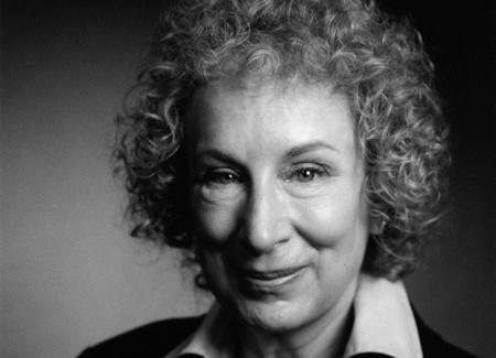 Margaret Atwood kanadai író, költő