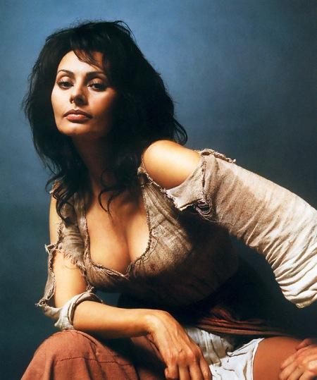 Sophia Loren Oscar-díjas olasz színésznő