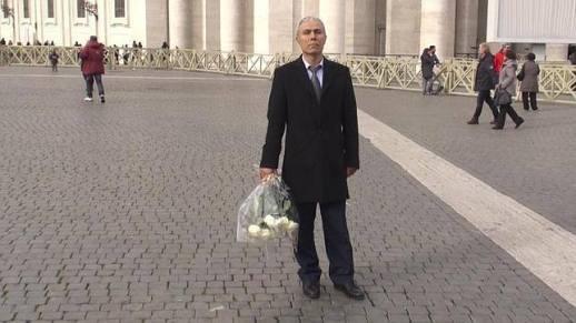Ali Agca, II. János Pál pápa merénylője a vatikáni Szent Péter téren